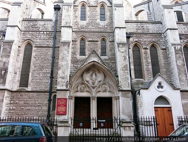 圖30 散步經過的第一座教堂.jpg