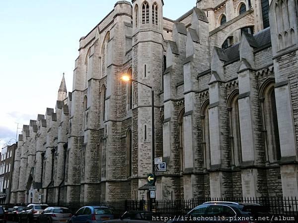 圖31 散步經過的第一座教堂.jpg