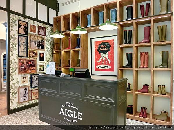 圖20 AIGLE旗艦店內觀.jpg