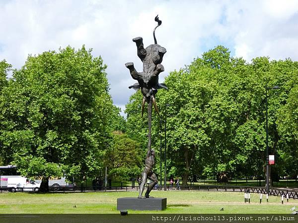 圖15 海德公園外的泰式銅像.jpg