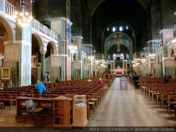 圖42 西敏大教堂內觀.jpg