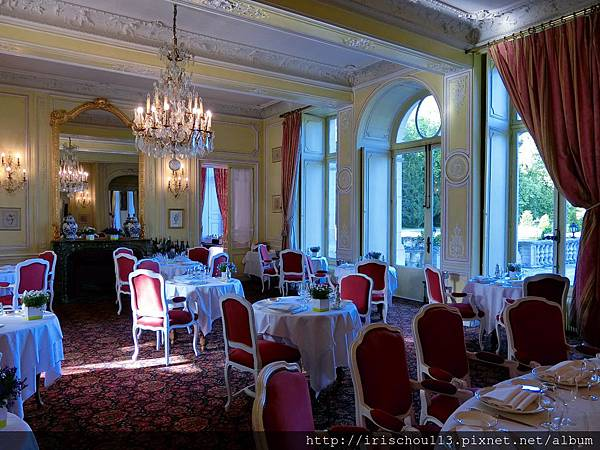 圖38 古堡內的法式餐廳.jpg