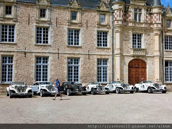 圖3 古董車隊也來古堡度假.jpg