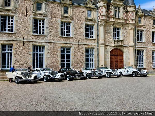 圖4 古董車隊也來古堡度假.jpg