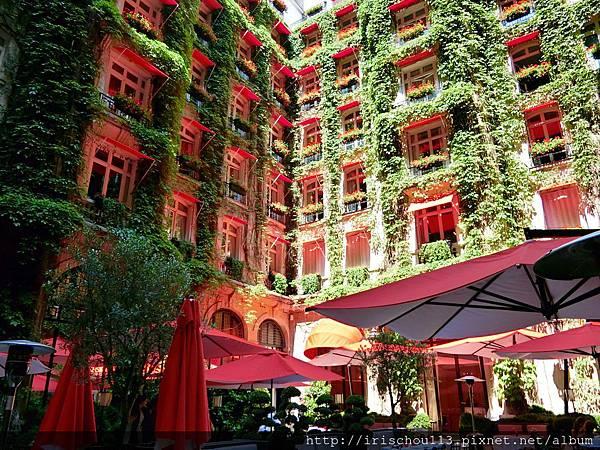 圖3 雅典娜酒店的露天咖啡座.jpg