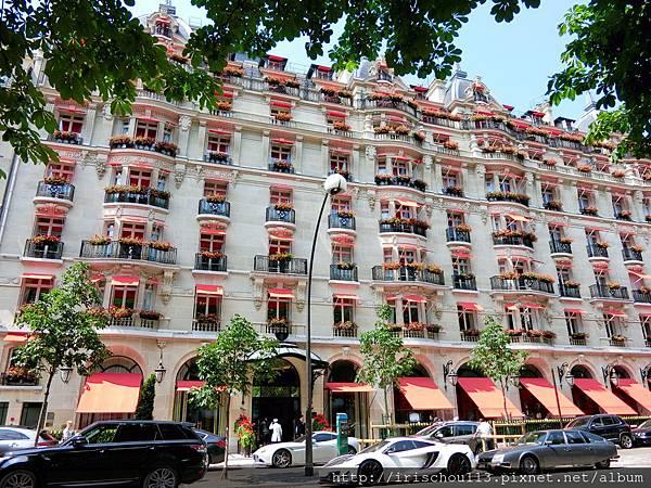 圖7 雅典娜酒店外觀.jpg