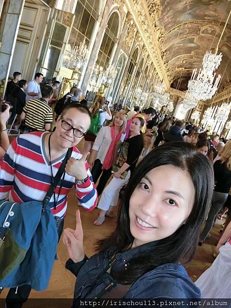 圖1 6月6日我和咪呢在凡爾賽宮.JPG