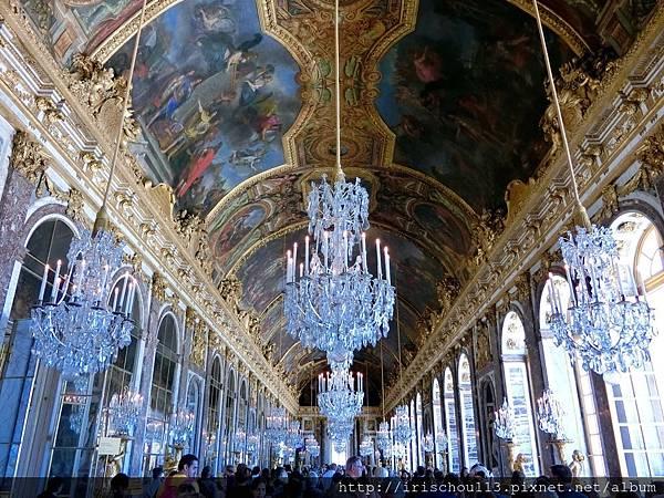 圖24 凡爾賽宮的天花板.jpg