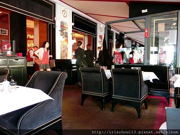 圖39 咖啡廳內觀.jpg
