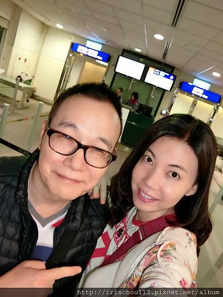 圖2 11月1日我和咪呢在華航「台北→夏威夷」登機口.jpg