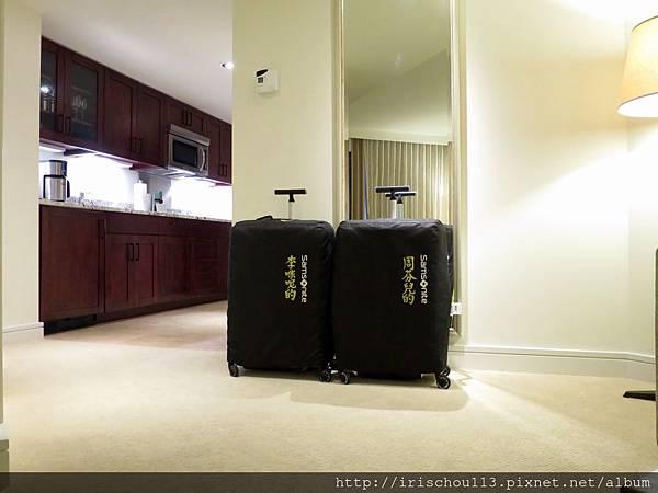 圖18 我和咪呢的行李.jpg