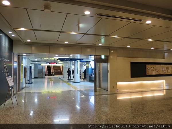 圖27 酒店B1地鐵站入口.jpg