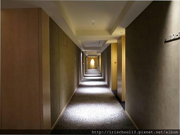 圖30-1(補):國會東急酒店客房走道.jpg