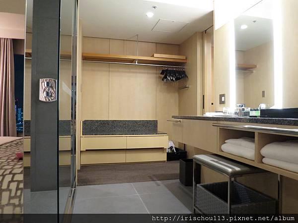 圖41 2102號房的浴室.jpg