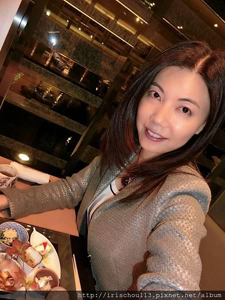 圖46 11月12日我在酒店內的水簾餐廳享用晚餐.jpg