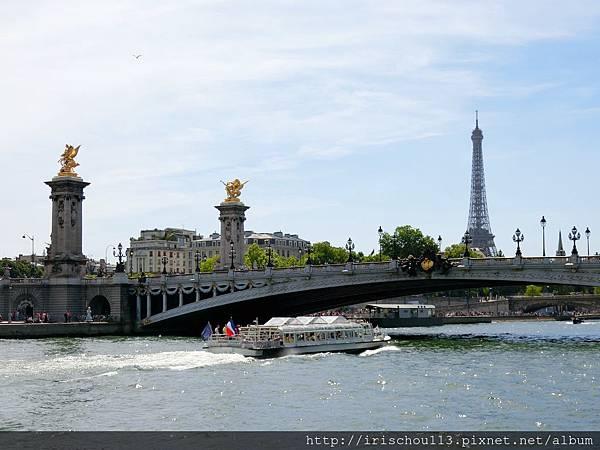 66)賽納河、巴黎鐵塔、亞歷山大三世橋.jpg