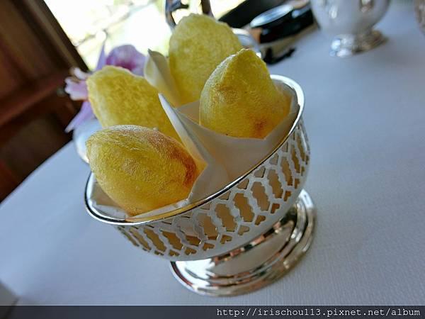 26) 巴黎銀塔餐廳的薯球.jpg