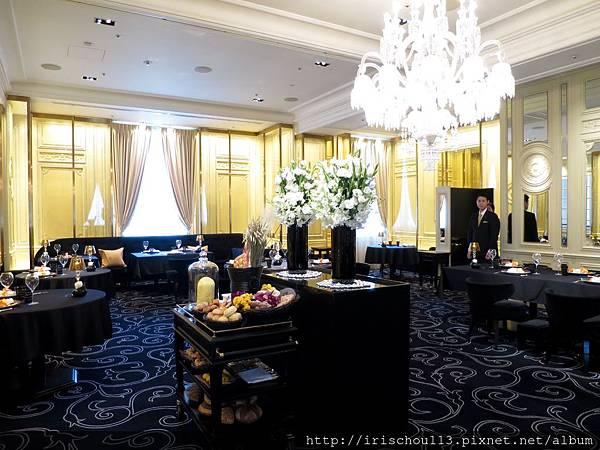 1) 羅布雄餐廳東京店內觀.jpg
