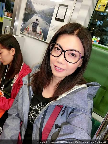 P3)我在東京地鐵車廂內.jpg