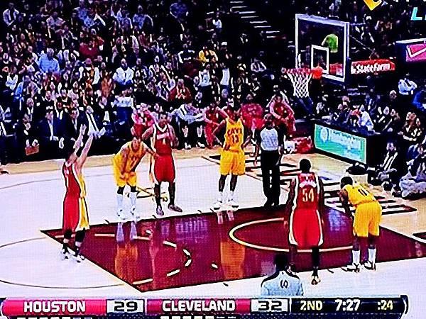 圖1 林書豪在NBA(翻拍自緯來體育台).JPG