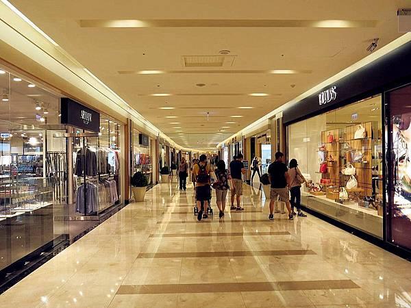 圖3 義大購物廣場一樓A區.JPG