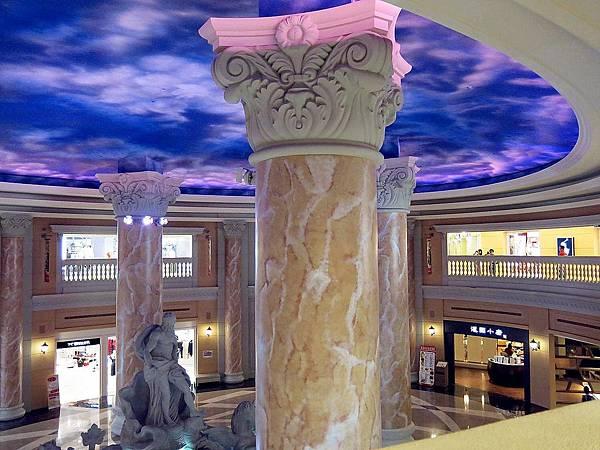 圖5 A區與C區之間的澳門酒店式造景.JPG