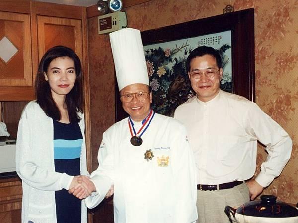 P9)鮑魚大王楊貫一先生是我們夫妻深交多年的摯友(拍攝於1997年).JPG