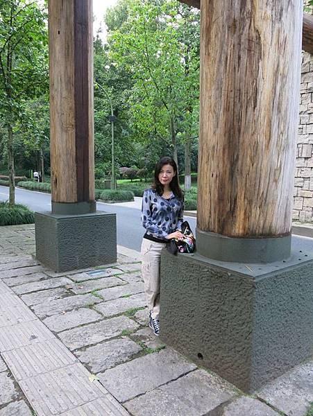 P3)走出四季酒店先到對面的植物園逛逛.JPG