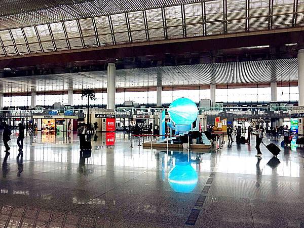 P6)南京高鐵車站內觀.JPG