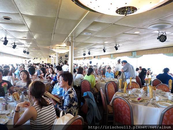 P12)檀香山之星號的中間層.jpg