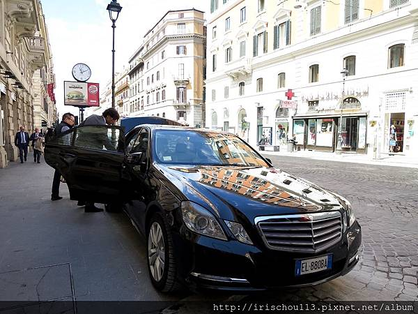 P8)5月16日「羅馬酒店→機場」的專車.jpg