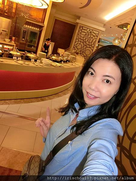 P28)我在杜拜機場VIP室.jpg