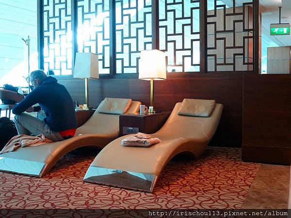 P17)VIP室的躺椅區.jpg