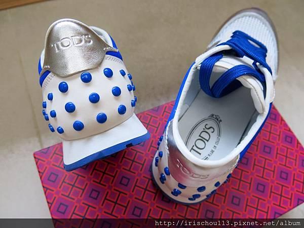 P17)鞋後跟的寳藍色豆豆.jpg