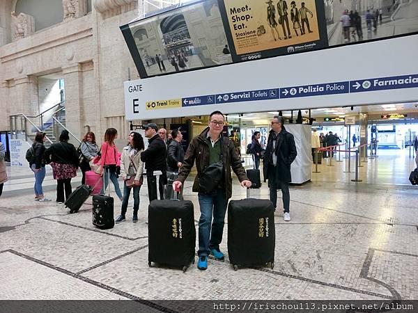 P6)5月4日咪呢在米蘭中央車站.jpg