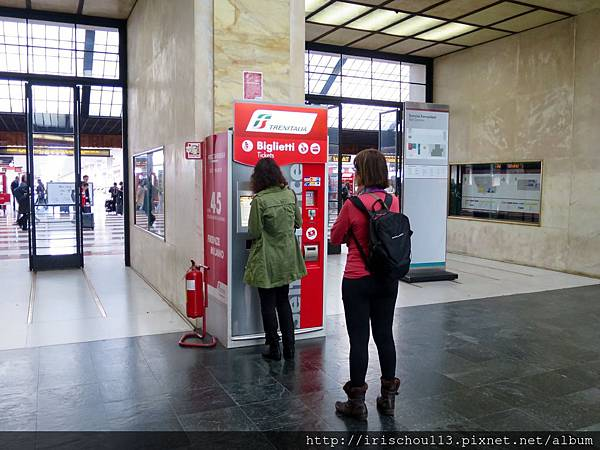 P11)佛羅倫斯車站內的售票機.jpg