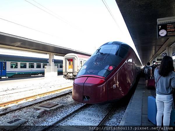 P21)法拉利列車.jpg
