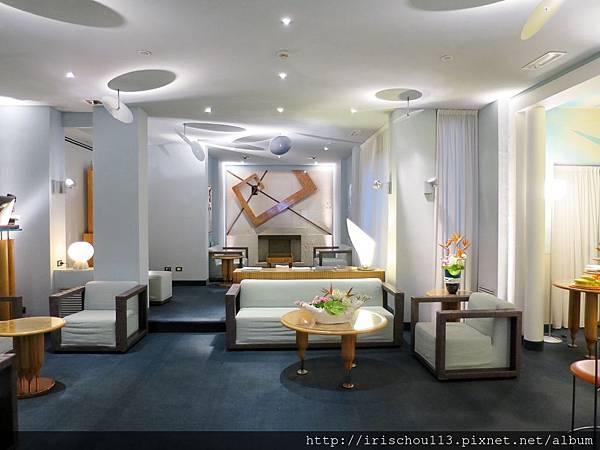 P1)Hotel Spadari的房客休息區.jpg
