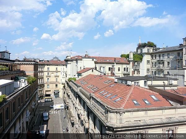 P20)陽台外的米蘭街景.jpg