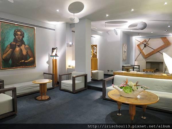 P28)Hotel Spadari的房客休息區.JPG