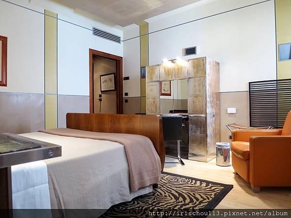 P1)卡皮薩尼酒店客房內觀.jpg