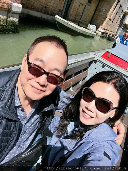 P17)我和咪呢在Water Taxi上.jpg