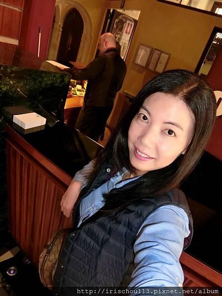 P38)我在卡皮薩尼酒店Lobby.jpg