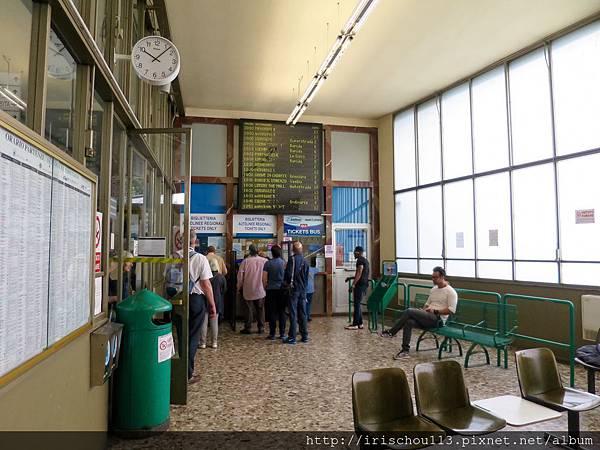 P3)佛羅倫斯巴士總站內觀.jpg