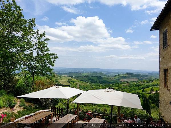 P11)San Gimignano城門外的美麗風景.jpg