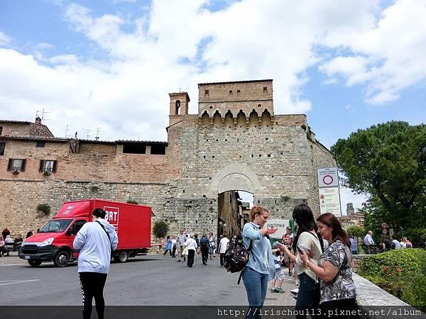 P12)城門.jpg