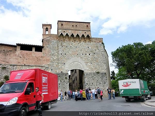 P13)城門.jpg