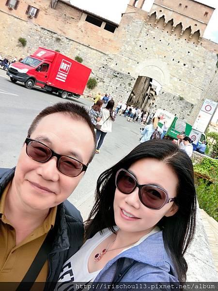 P14)我和咪呢在San Gimignano.jpg
