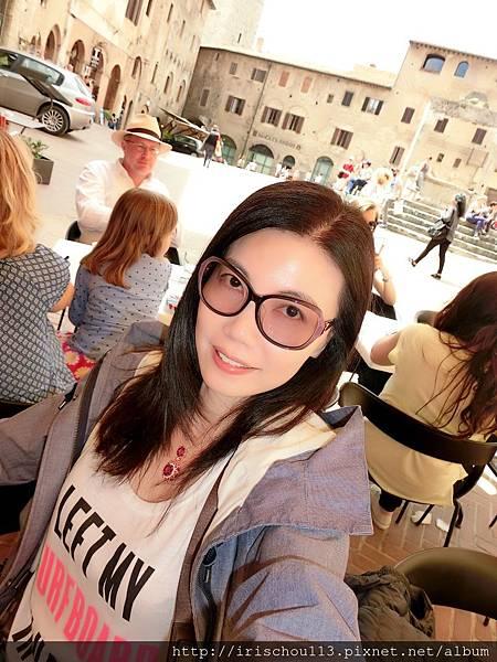 P24)我在水井廣場的餐廳打發午餐.jpg