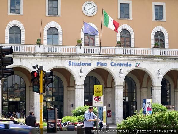 P10)比薩中央車站.jpg